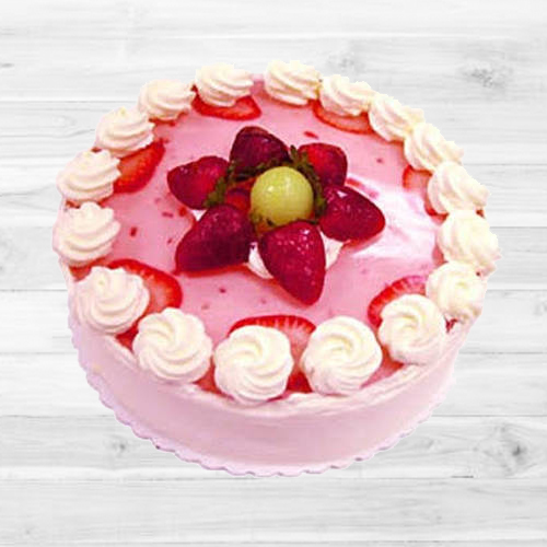 Lip-Smacking Strawberry Cake