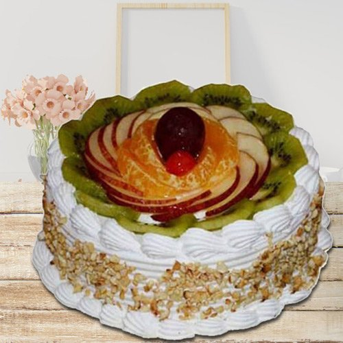 Eagerness�s Pamper 1 Kg Fresh Fruit Cake