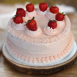 3/4 Star Bakery's Craving's Delight 1 Lb Strawberry Cake