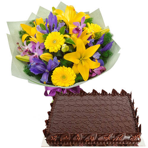 Order Mixed Flowers Bouquet with Chocolate Cake Online
