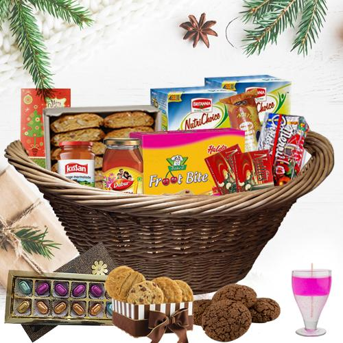 Adorable Christmas Hamper with Heavenly Delicacy