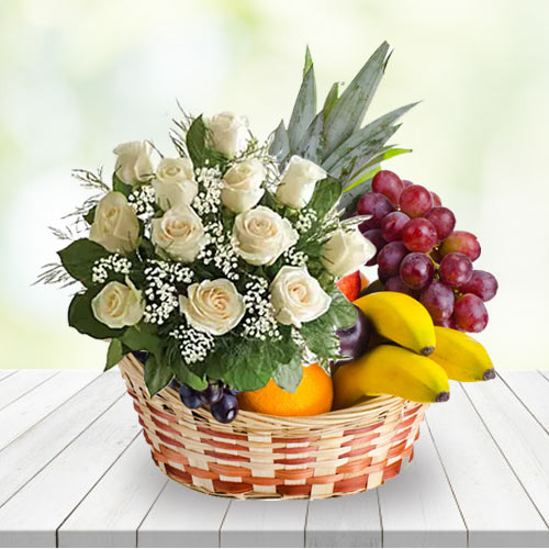 Touching Basket	of Fresh Fruits with White Roses Bunch