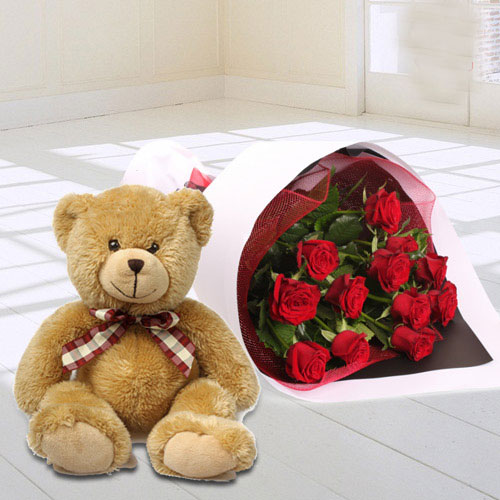 Online Deliver Chocolate Cake with Red Roses N Balloons