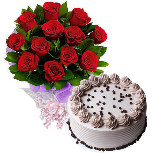 Deliver Online Coffee Cake with Red Roses Bouquet