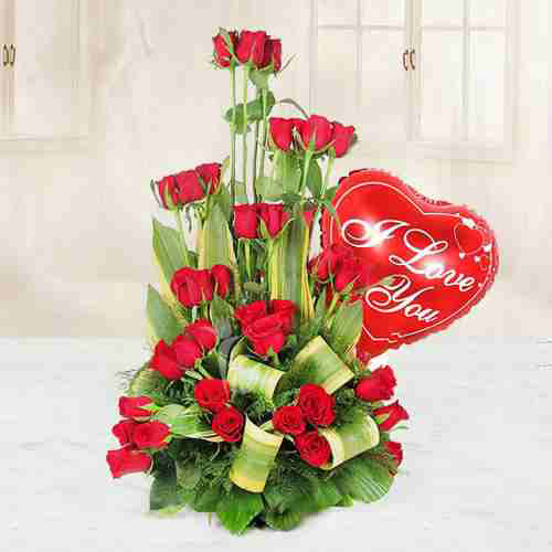 Online Red Roses and Haldiram Rasgulla