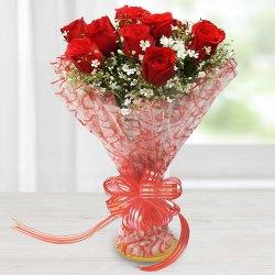 Send Dutch Roses Heart Shape Arrangement for Valentine Surprise