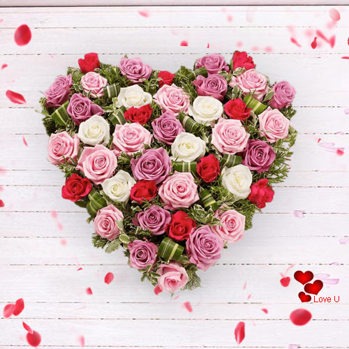 Send Online Mixed Roses in Heart Shape Arrangement