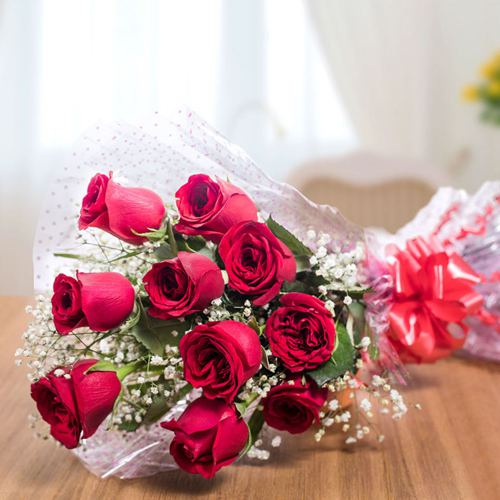 Send Red Roses Bouquet for Rose Day