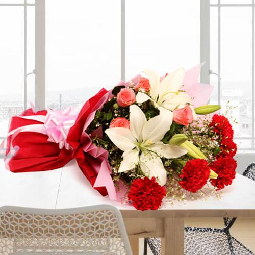 Captivating Love Treasure 15 Red Roses in a Basket