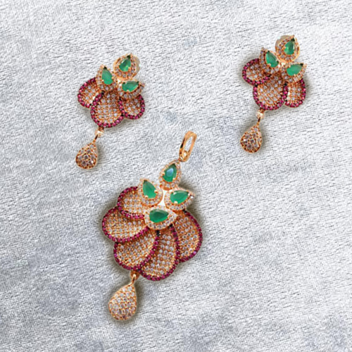 Mind Blowing Diamond Pattern Earring N Pendant Set