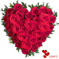 <u><font color=#008000> MidNight Delivery : </FONT></u>:Red Roses in Heart Shape Arrangement.