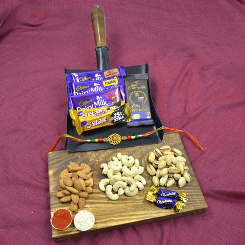 Fascinating Chocolates n Nuts Rakhi Gift Hamper<br>