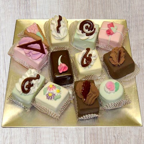 Deliver Online Assorted Pastries From Taj Or 5 Star Bakery