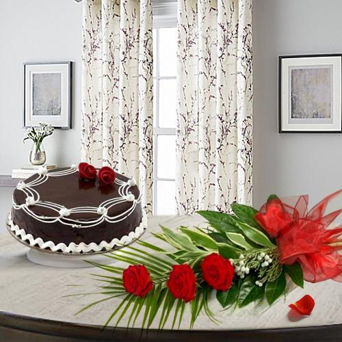 Online Order Red Roses With Chocolate Cake